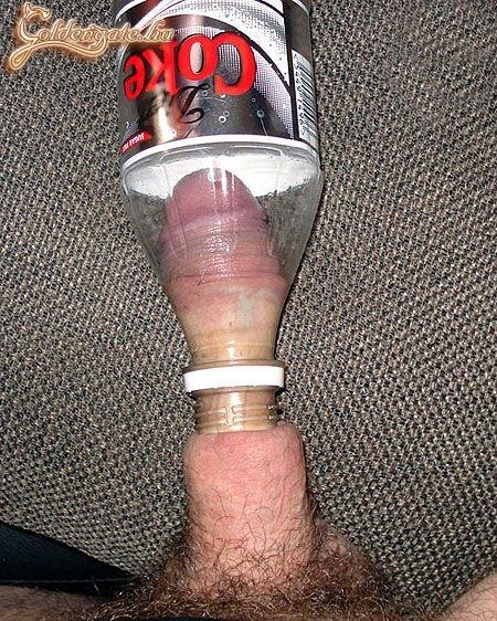 Засунул вместо члена бутылку