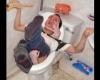 Cosmarul din wc.