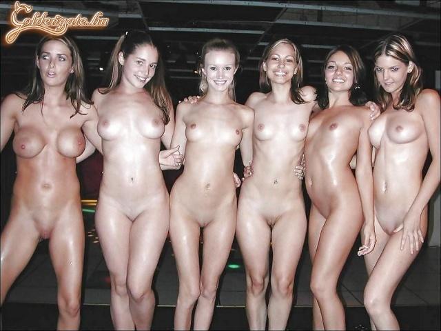 Группа девушек голых фото 13825 фотография