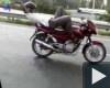 SMS-t írt motorozás közben