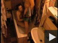Amatőr szex a fürdőben